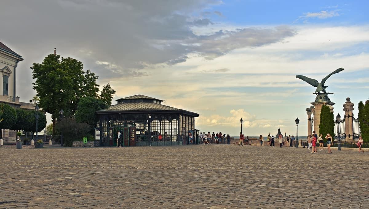 La plaza de San Jorge. Núcleo de la vieja ciudadela de Buda